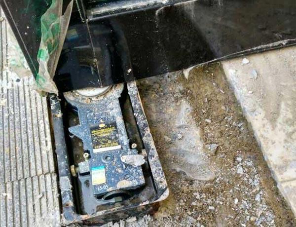 地簧门维修及保养