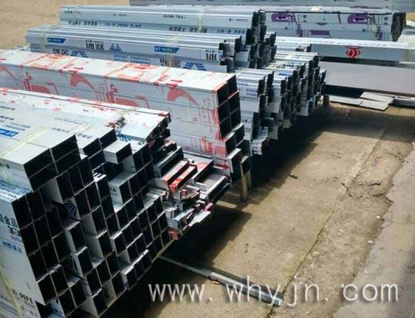 厂房不锈钢材料堆放